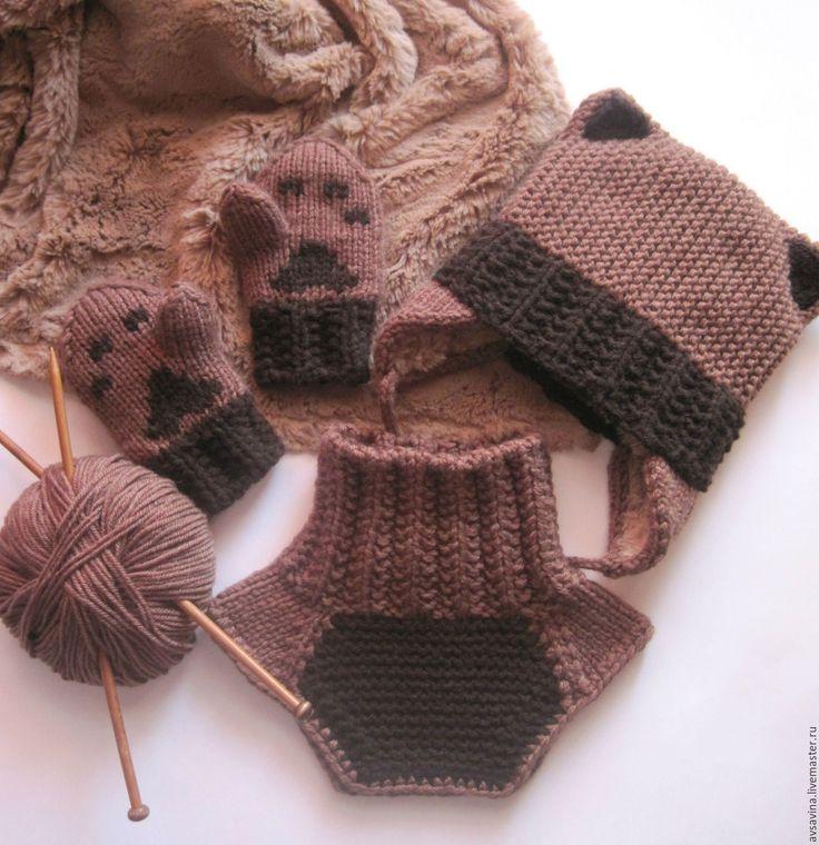 """Купить Детский вязаный комплект """"Котенок"""" - шапка, манишка и варежки - коричневый, однотонный"""