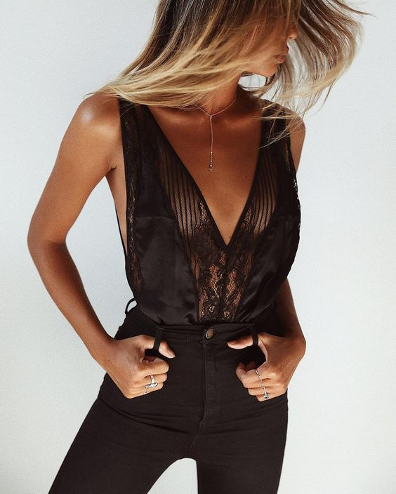 The Millennial way to do a sexy evening look that's anything but try-hard, a black body will have you covered for everything from date night to drinks with the girls. Right now, bodies look best with a touch of lace panelling and a plunging neckline. We'll be wearing ours with cut-offs, Levi's or a maxi skirt.