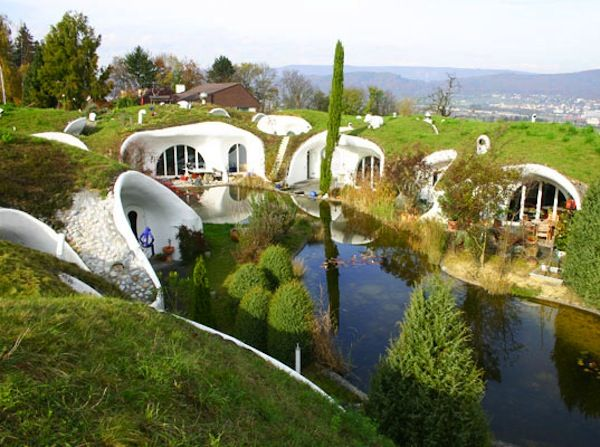 check out more Earth homes here http://www.propertyguru.com.sg/lifestyle/article/4/5-amazing-earth-homes