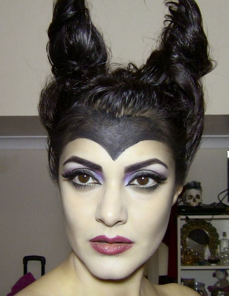 14 Beauty Hacks That Will Make You Look Like A Disney Villain For Halloween Read more: http://www.thegloss.com/2014/10/27/beauty/disney-villain-halloween-costume-makeup-hacks-ideas-photos-maleficent-ursula/#ixzz3HNx0zfeG