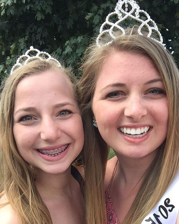 Being home for the summer makes it so much easier to do my queenly duties! I am the 2015 Miss Jo Daviess County Fair Queen and my sister just so happens to be my junior miss! I'm excited to finish out the rest of my reign this summer and crown the new queen! I'm glad I got to show you a little bit into my life this past week! Feel free to follow me on my personal account(@kristin_enright)! 👑🐝 #beesofsau #stambrose