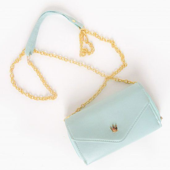 Learn how to make a stylish leather chain crossbody strap + instantly turn any clutch into a crossbody!