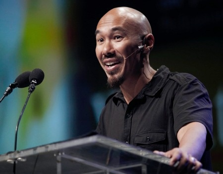 francis chan college Francis chan bared some of his struggles with doubt and being a model disciple of jesus christ tuesday during the opening session of the 2013 exponential conference attended by thousands in orlando, fla.