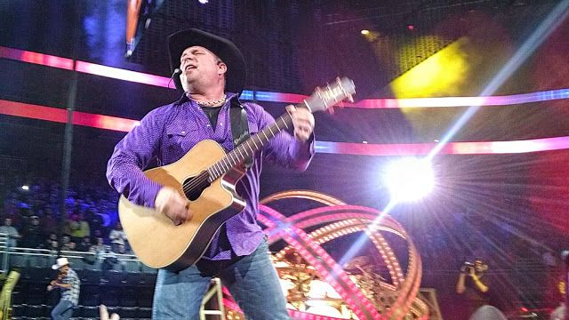 Date of Birth February 7, 1962   Age 54   Birth Place Tulsa, Oklahoma, United States   Country USA   Marital Status Married   Full Name Troyal Garth Brooks   Height 1.85 m   Website www. garthbrooks.   #concerts #earnings #Garth Brooks net worth #income #net worth 2017 #salary