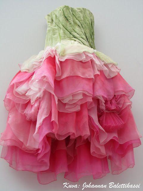 Rose-tutu for Finnish National Ballet's Sleeping Beauty. Costume design by Erika Turunen. Photo: J. Aurava