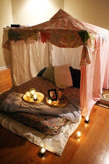 Indoor tents and blanket forts