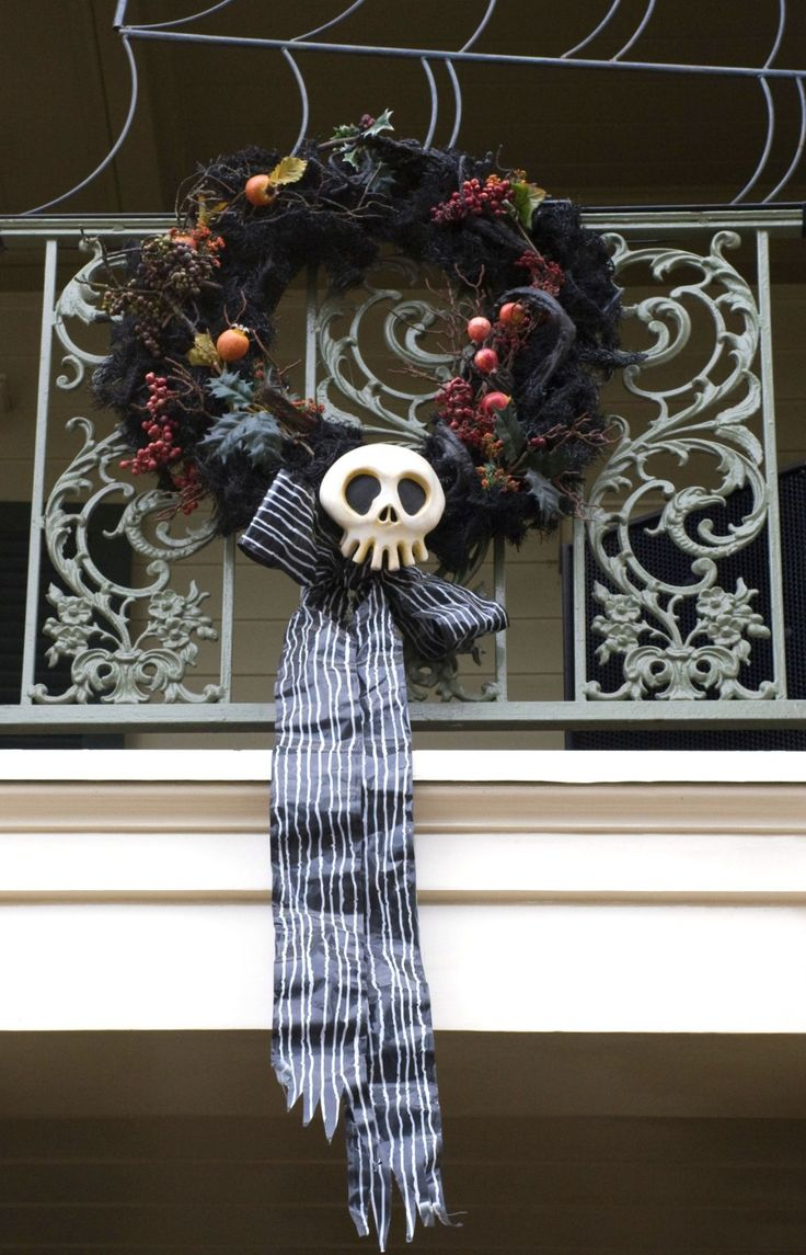 Haunted Wreath Nightmare Before Christmas Cast