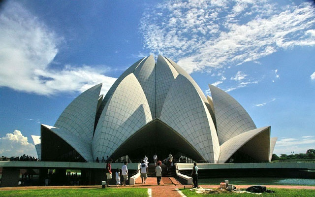 Lotus Temple, Kalkaji  #lotus #temple #kalkaji #holidays #vacation #travel #india #traveling