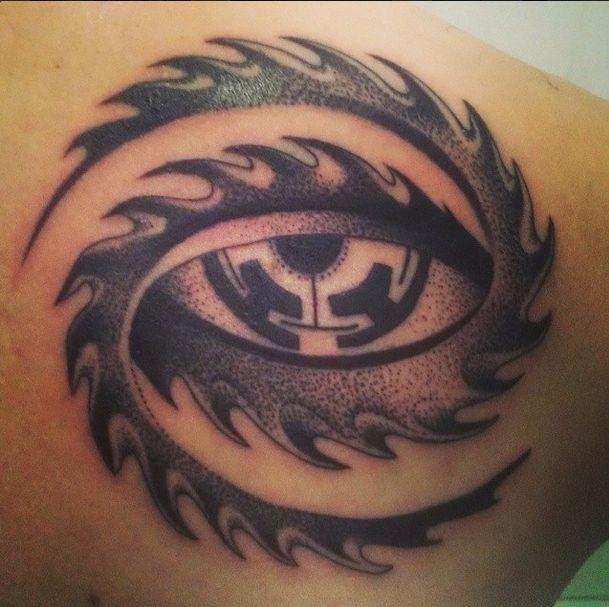 "Part of Alex Grey's ""Net of Being"" tatooed by Mariusz Trubisz, Gulestus Tattoo…"