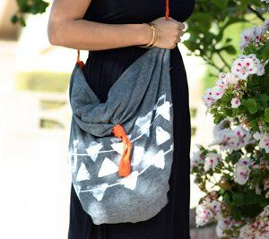I love the fact that kids can make something that looks so trendy and grown up. Check out this Pillow Case No-Sew Tote Bag!