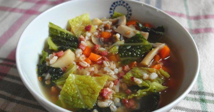 Aneta Goes Yummi: Sýta zeleninová polievka s údenou slaninkou a krúpami pre…