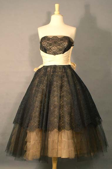 prom: 1950S Shorts, Vintage Prom Dresses, Beige 1950S, Short Prom Dresses, Shorts Prom Dresses, Black Laces, Photo, Prom Queen, Lace Dresses