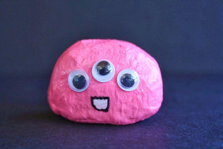 La petite fée du bricolage: Petit monstre galet rose