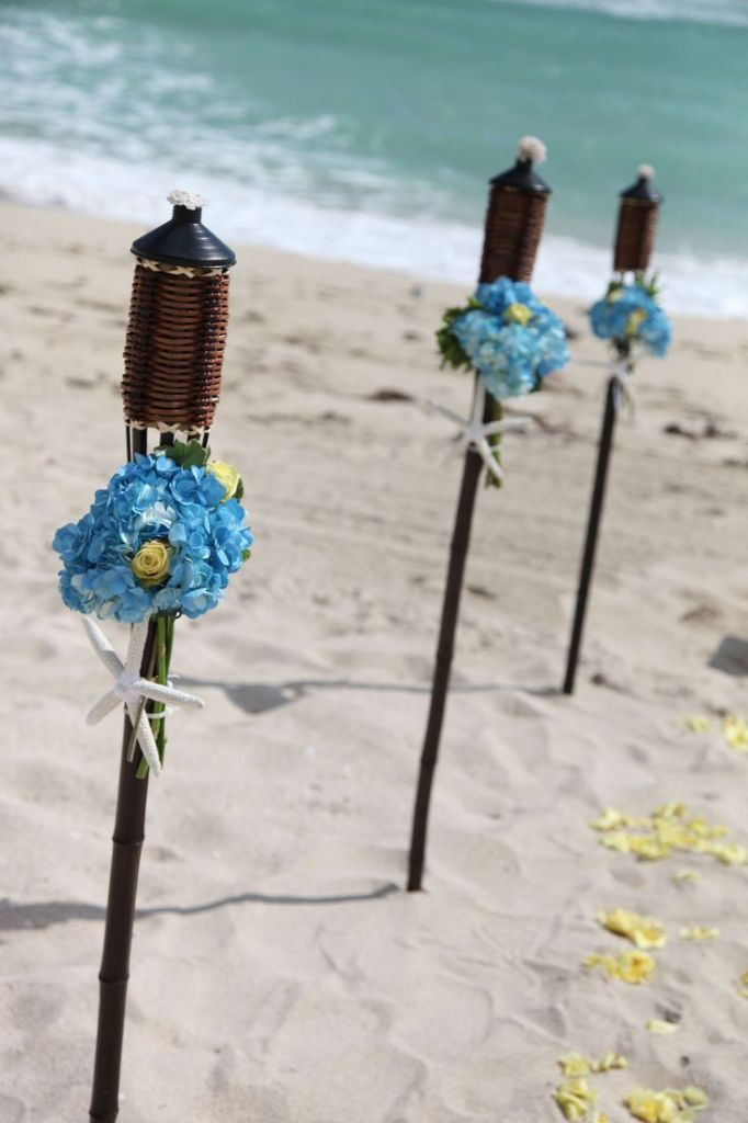 17 Best Ideas About Beach Wedding Aisles On Pinterest