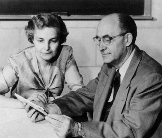 The Italian physicist Enrico Fermi sitting with his wife Laura Capon in his office at the Institute for Nuclear Studies. Los Alamos, 1954