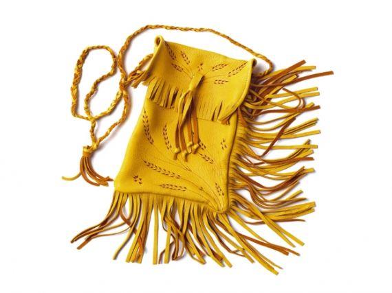 Manitobah Mukluks deerskin purse with fringe - *love* #mukluks #canadianfashion #aboriginal