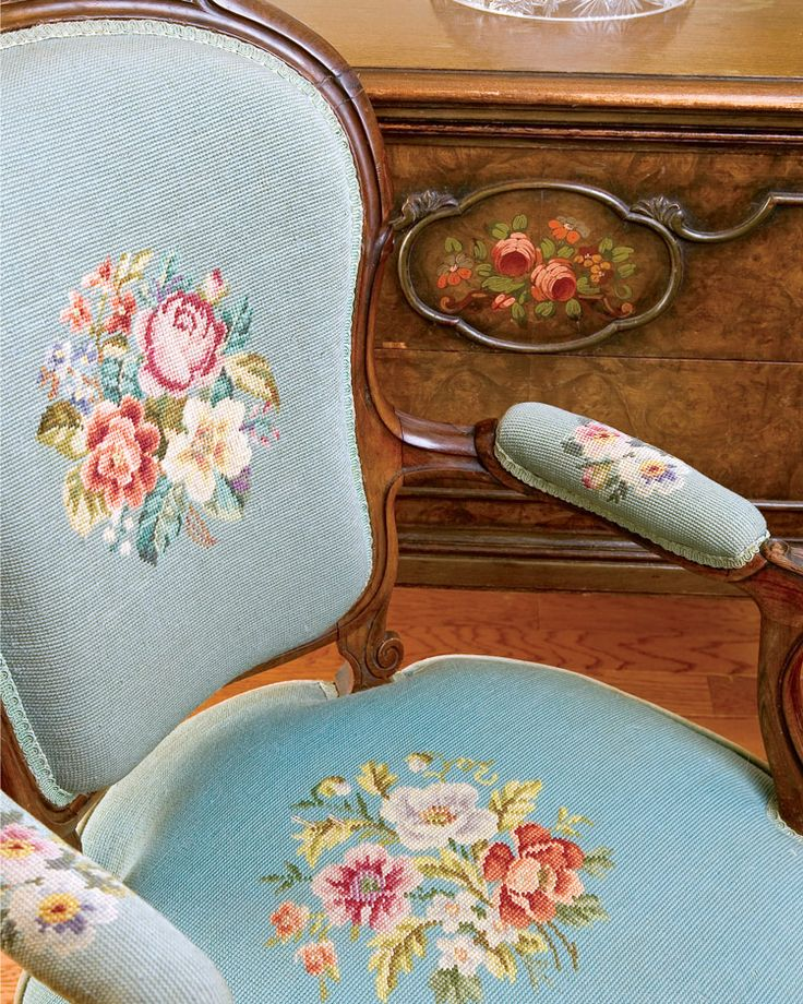 Rose Chair, Roses Decor - Southern Lady Magazine