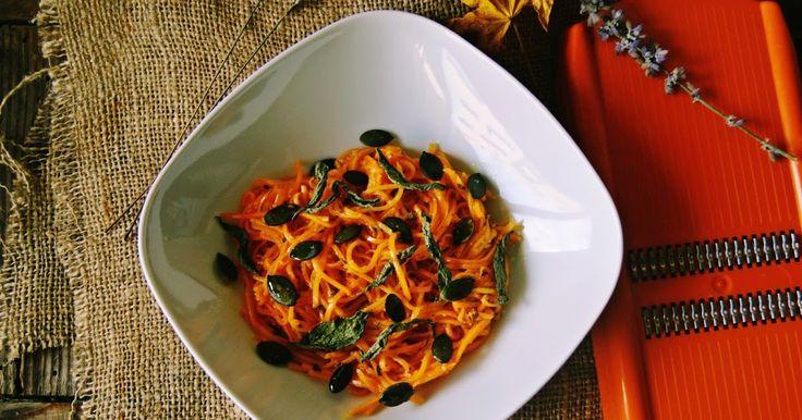 Um acompanhamento delicioso, este esparguete de abóbora e que já está entre os meus favoritos, aliás....de toda a família.           1 fatia...