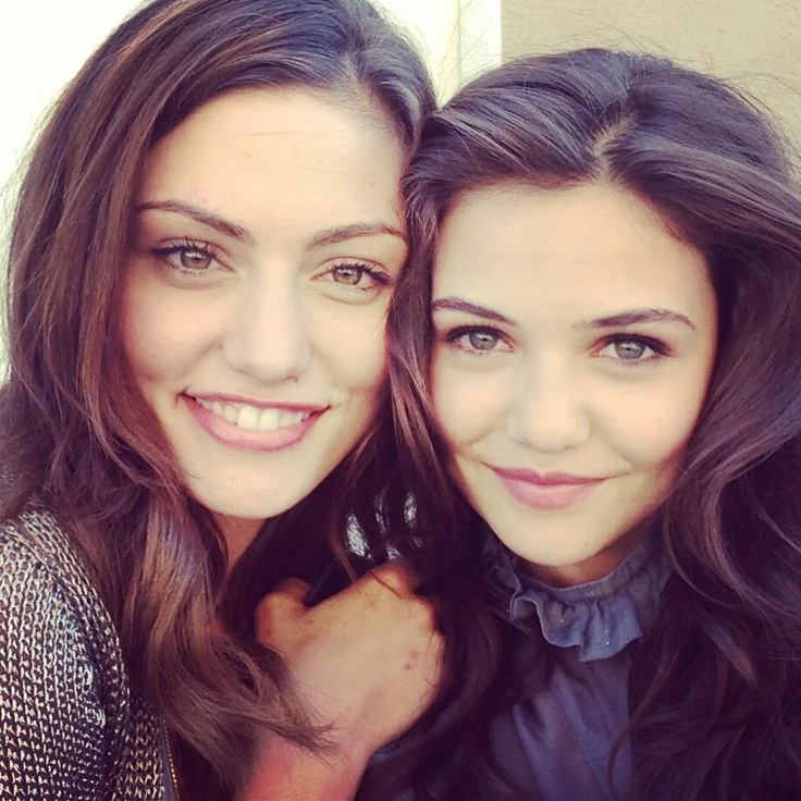 They are both so cute! Phoebe Tonkin & Danielle Campbell - The Originals cast. <3