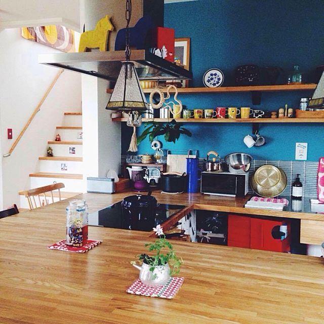 女性で、のカフェ風/北欧/オープン棚/棚についてのインテリア実例を紹介。(この写真は 2016-09-22 06:45:25 に共有されました)