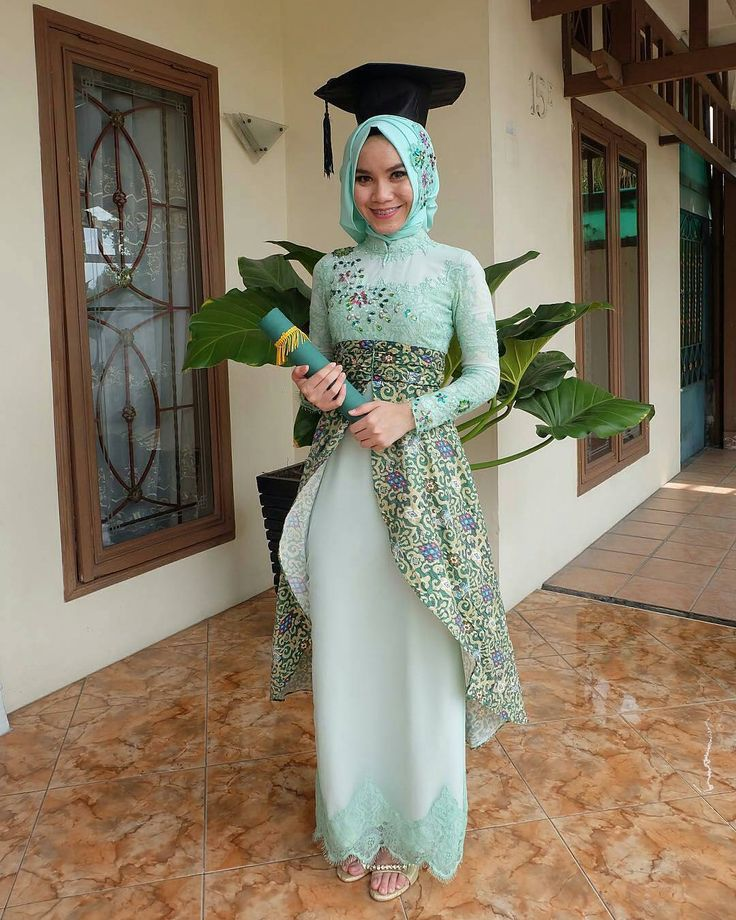 "768 Likes, 7 Comments - NO 1 INSPIRATION (@kebayainspiration) on Instagram: ""Kebaya inspiration for your graduation @keykodarya"""