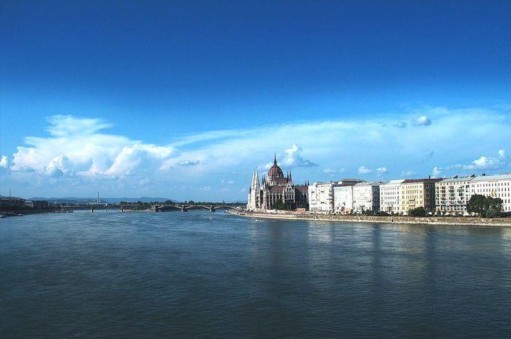 Donau2 im Ungarn Reiseführer http://www.abenteurer.net/3346-ungarn-reisefuehrer/