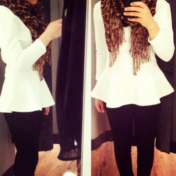 Simple cheetah hijab outfit.