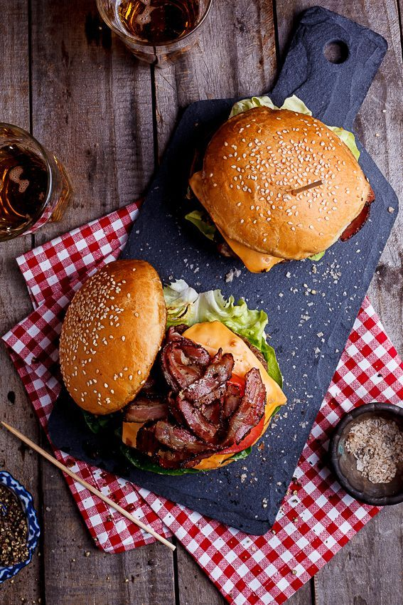No barbecue is complete without a good burger on it and this bacon cheeseburger is all kinds of awesome.