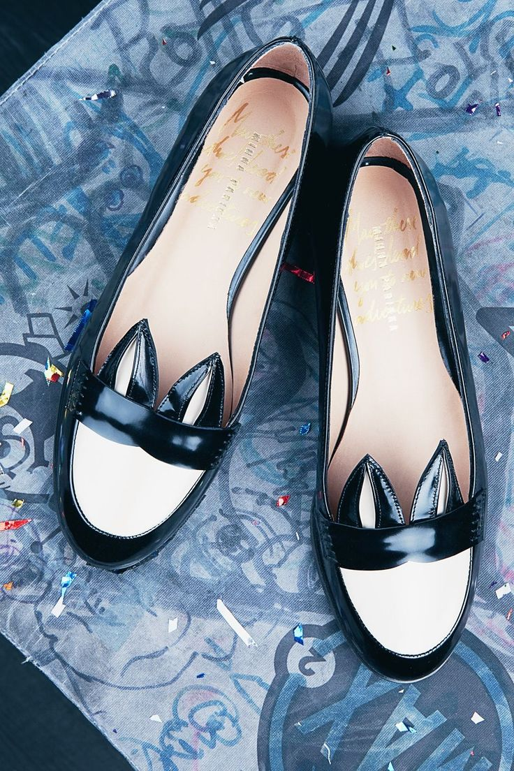 Caracal Black shoes - White patent by Minna Parikka