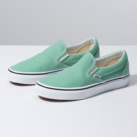 Vans Classic Slip On Neptune GreenTrue White Chaussures pour fille