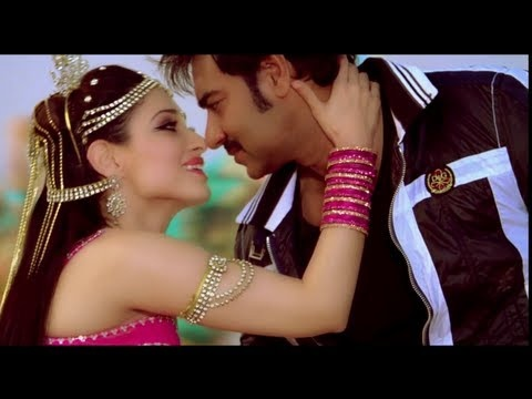 Nainon Mein Sapna, the foot tapping dance number from Himmatwala is here! Can you guess who the singers are?