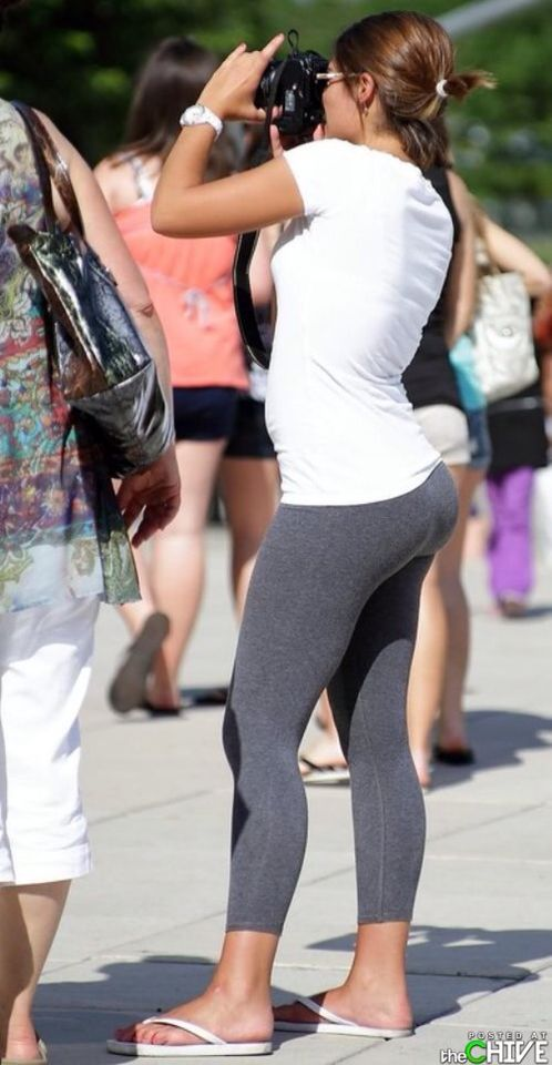Want her shemales in tight shorts and leggings