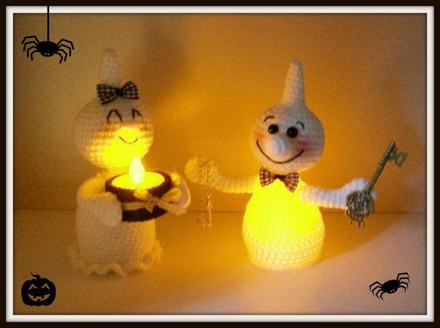 Der Hit, nicht nur zu Halloween. Kasper und Greta die Leucht-Gespenster! Sie sind ca 16-17 cm groß und durch elektrische Teelichter überall der Hingucker. Doch auch ohne Beleuchtung einfach...
