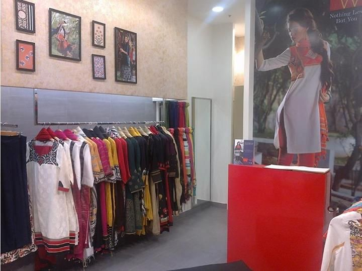 Karismatic Kolkata: We are now at Quest Mall, #Kolkata. Do visit us soon :) #Wwear