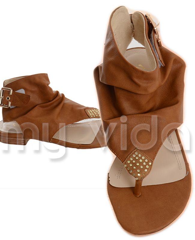 CAMEL - #Sandalo #donna #infradito modello alla schiava. Ciabattina tacco basso con motivo romboidale a strass e fibia laterale. https://www.myvida.org