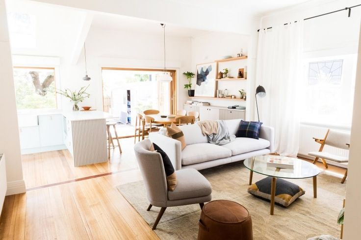Soft White Sofa | Cosy space and great couch with vintage style | more inspiring images at http://diningandlivingroom.com/