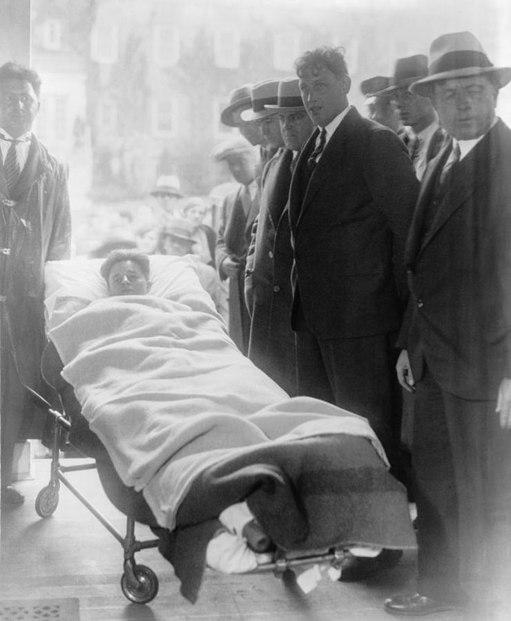 Francis 'Two Gun' Crowley (1911-1932), a robber and cop