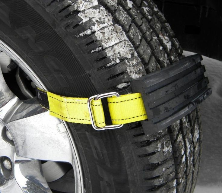 Trac-Grabber Attaches To Your Car Tire To Get You Unstuck In The Snow