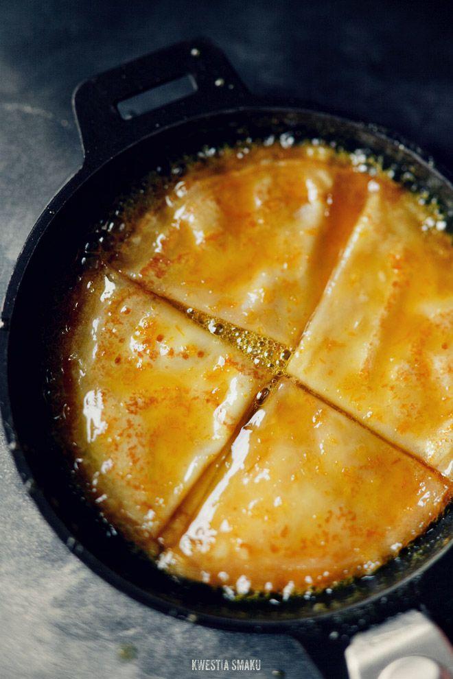 Crêpes Suzette. Naleśniki z syropem pomarańczowym i kremem mascarpone.