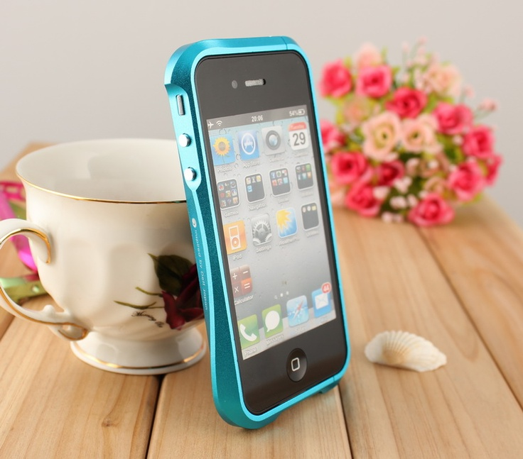 Hot Sale: Deff CLEAVE iPhone Cases Aluminum case for iPhone 4/4s Blue---This case sells $45.99USD,free shipping to worldwide!  With the highest quality standard in mind, DRACOdesign exclusively uses industrial grade aluminum to design and build DRACO IV. Widely used for construction of aircraft structures and automotive parts, the aluminum (6063 grade) has ultimate tensile strength that will withstand any tough impact.
