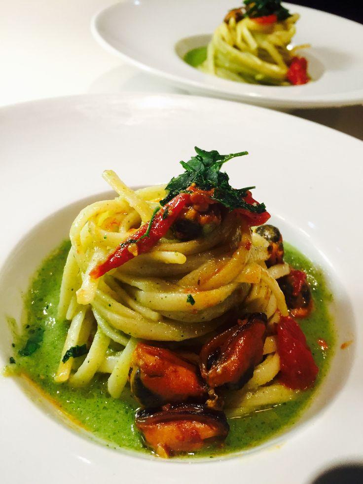 Linguine+con+crema+di+broccoli+e+cozze