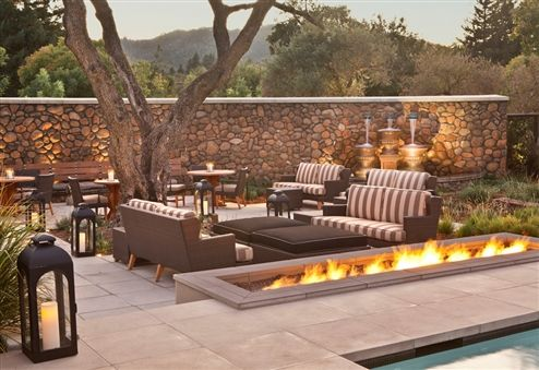 Hotel Yountville was a great place to stay.  This is the bar area at the hot tub and pool.