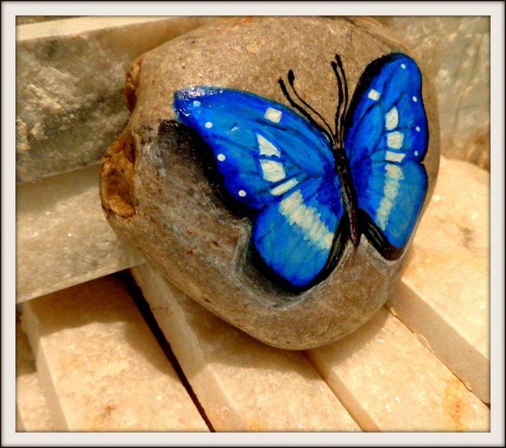 Taş boyama mavi kelebek kağıt ağırlığı Zet.com'da 35 TL