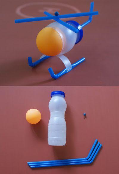 Original helicoptero de juguete reciclando THINK ORANGE. THINK HELICOPTER