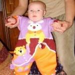 Yeni Renkli Değişik Örgü Bebek Tulumları