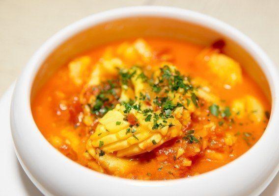Рыбный суп из морского окуня