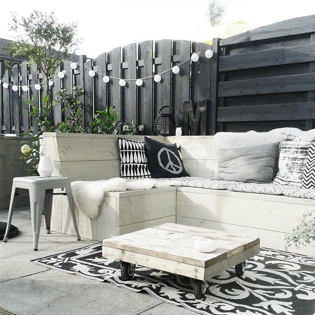 Vol op aan het genieten van onze tuin en nieuwe meubels... dus lekker spammen! En weer klaar voor de volgende bbq! #kijkjeindetuin