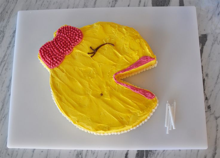 pacman cake - 80s party!