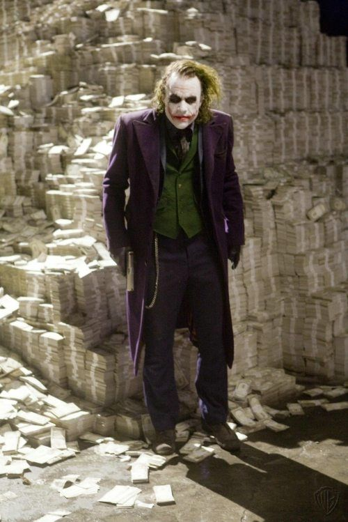 The Joker Never Dies: 48 Behind The Scenes Photos of Heath Ledger On The Set Of Dark Knight | The Roosevelts