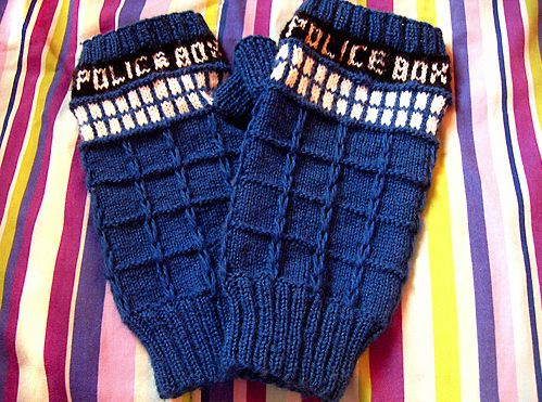 Doctor Who Crafts - If I could knit, I would make these as Christmas presents.